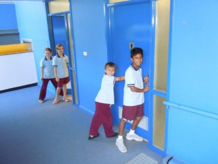 صور تصميمات واشكال مدارس من الداخل والخارج (2)