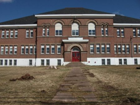 صور تصميمات واشكال مدارس من الداخل والخارج (3)