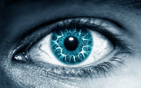 اجمل عيون زرقاء  (1)