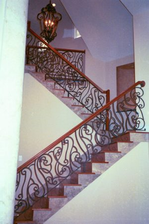 ديكورات درج داخل المنزل (3)