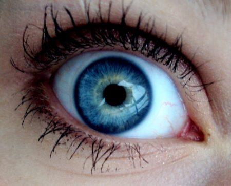 صور عيون زرقاء احلي رمزيات عيون اطفال باللون الازرق (3)