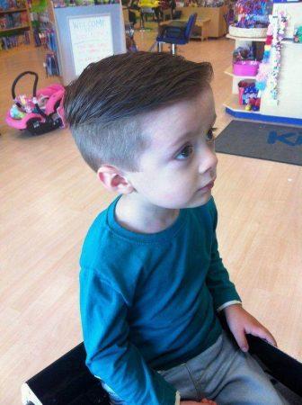 صور قصات شعر للأولاد الصغار باحدث استايلات عالمية (4)