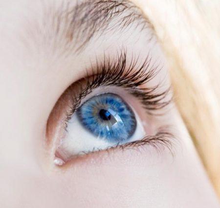 عيون باللون الازرق (1)