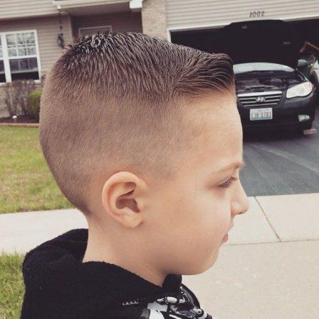 قصات شعر جديدة للأولاد (1)