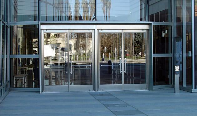 صور واجهات زجاج للفلل والقصور والمباني الضخمة ميكساتك