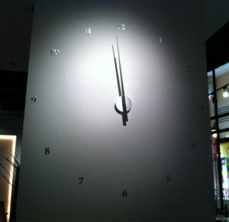 ساعة حائط (1)