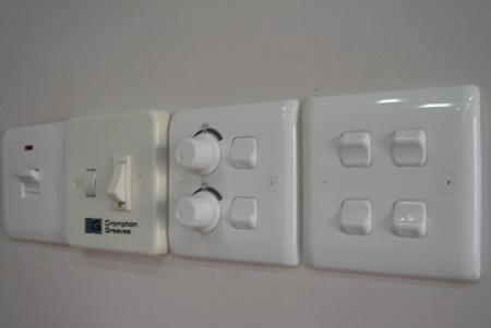 المؤمن خط معدني رباعي السطوح انواع برايز الكهرباء Comertinsaat Com