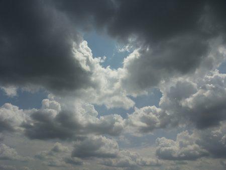 سماء في غيوم (3)