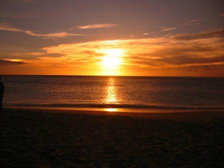 الشمس علي البحر 3