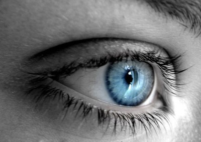 صور عيون زرقاء 2