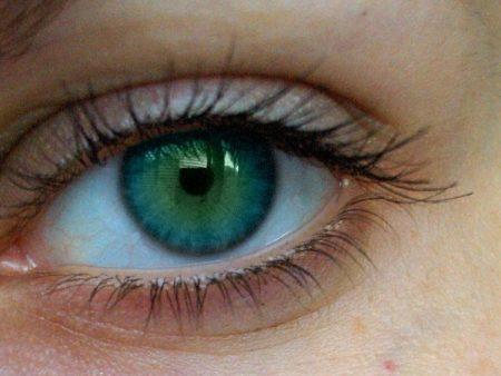 اشكال عيون خضراء (3)