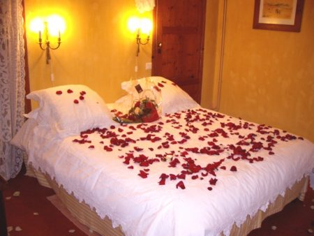 افكار تزيين غرف نوم العرسان (3)