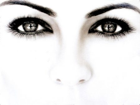 العيون السود بالصور (2)