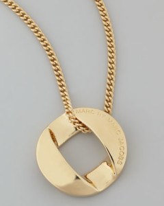 سلاسل ذهبية (2)