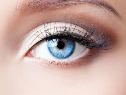 صور عيون باللون الازرق (1)