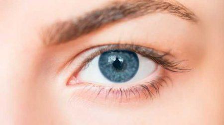صور عيون باللون الازرق (3)