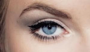عيون باللون الازرق (3)