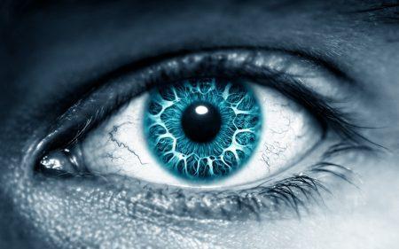 عيون زرقاء (1)