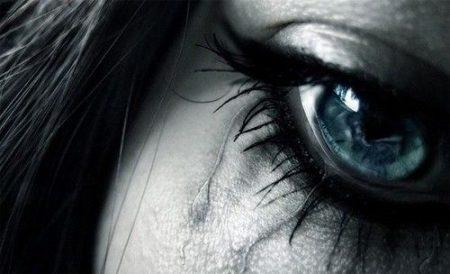 صور حزينة للعيون والدموع (2)