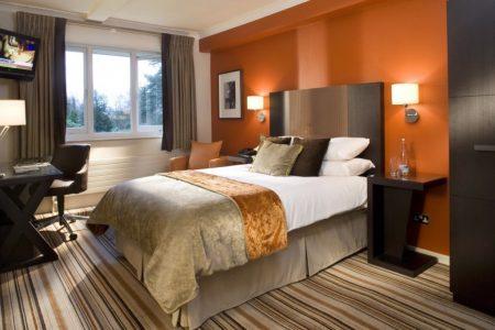 احدث ديكورات غرف نوم عصرية مودرن للعرسان غرف فخمة (1)