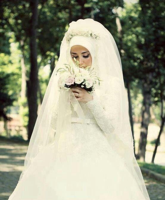 ارقي فساتين زفاف محجبات2021 1