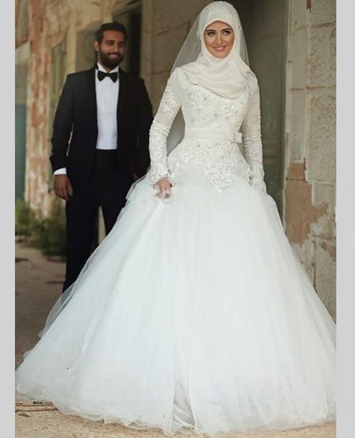 ارقي فساتين زفاف محجبات2021 3