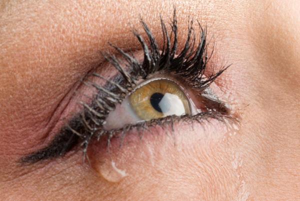 دموع عيون حزينه قوي