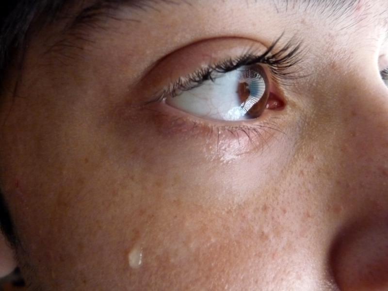 صور دموع عيون حزينة جدا 1