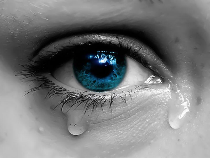 صور دموع عيون حزينة 1