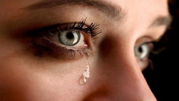رمزية عيون حزينه دموع عيون 1