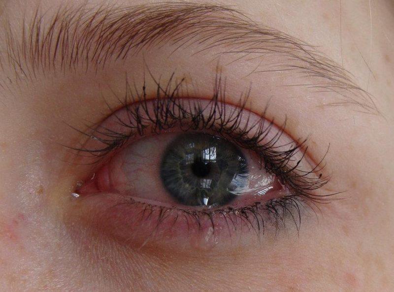 عيون حزينة 2